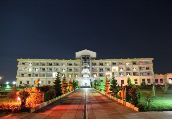 هتل-مروارید-صدرا